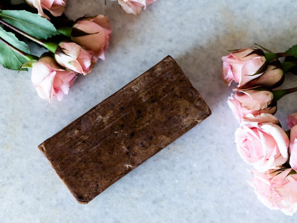 How African Black Soap Can Help With Acne & Dry, Itchy Skin